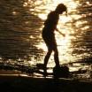 Mädchen am Rheinufer 1